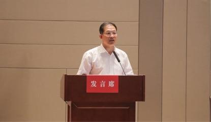 图五 湖南商学院党委书记唐亚阳发言